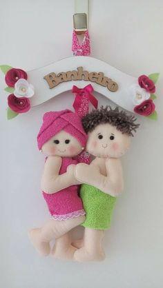 Toilet Roll Holder Doll, Toliet Paper Holder, Paper Crafts For Kids, Felt Crafts, Diy And Crafts, Fabric Doll Pattern, Fabric Dolls, Felt Patterns, Craft Patterns