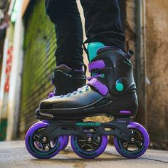 The 90s are back! Check out the new Powerslide Metropolis SC110 #triskates #3x110 #metro #powerslide #inlineskate #rollerblading #3wd #3wheelskates #freeskate #patins #patines #grapeandmint #neon #retro #90svibes #90s #3x3wheels