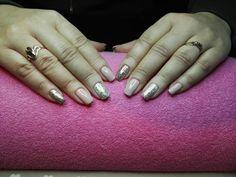 Manicure hybrydowy<3