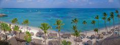 Aerial view of Holiday Inn Aruba beach.