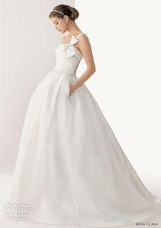 love this Bridal Gowns, Wedding Dresses, Wedding Inspiration, Wedding Ideas, One Shoulder Wedding Dress, Bari, Fashion, Rosa Clara, Bride Gowns