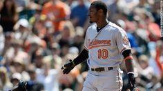 Giants fan apologizes for throwing banana at Baltimore Orioles' Adam Jones