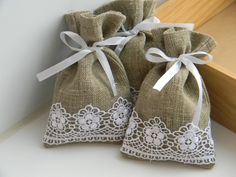 rustic wedding favors | Natural Rustic Linen Wedding Favor Bag with white lace.