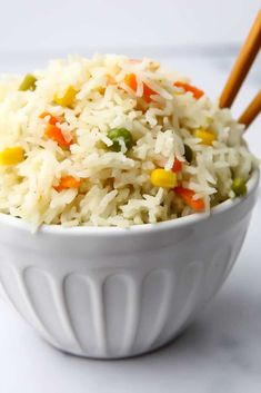 A simple, quick, and easy gluten free and vegan Thai coconut rice with green curry and veggies you can make in 1 pot in 30 minutes! Curry Recipes, Rice Recipes, Veggie Recipes, Asian Recipes, Vegetarian Recipes, Cooking Recipes, Healthy Recipes, Dinner Recipes, Rice Dishes