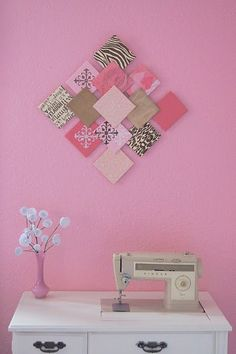 - DIY – Paper Wall Art and Paper Flowers / Recycler les chutes de papier scrapbook… DIY – Paper Wall Art and Paper Flowers / Recycle scrapbook paper scraps to make a patchwork painting. Use wooden square coasters. Paper Wall Art, Diy Wall Art, Diy Wall Decor, Fabric Wall Decor, Diy Wand, Wall Painting Flowers, Cuadros Diy, Diy And Crafts, Paper Crafts