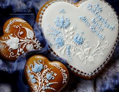 Risultati immagini per henna inspired gingerbread cookies Fondant Cookies, Royal Icing Cookies, Sugar Cookies, Gingerbread Decorations, Gingerbread Cookies, Cookie Desserts, Cookie Recipes, Elegant Cookies, Hungarian Cake