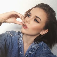 Acacia Brinely Clark/ my fashion inspiration. Love her makeup look here thougj Makeup Inspo, Makeup Inspiration, Makeup Tips, Beauty Makeup, Hair Beauty, Beauty Box, Makeup Ideas, Red Lips Makeup Look, Kiss Makeup