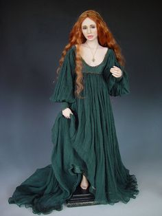 I know it's a doll, but I would wear this dress all the time thank you very much
