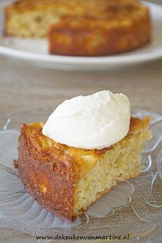 Suikervrije (glutenvrije) appeltaart met amandelmeel, havermout en honing.