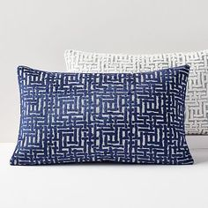 It's hard to say what we love more about our Allover Crosshatch Jacquard Velvet Pillow Cover: the mid-century-inspired motif or its ultra soft fabric. Bolster Pillow, Bed Pillows, Sofa Cushions, Bedding Shop, Linen Bedding, Bed Linen, Modern Throw Pillows, Frame Wall Decor, Velvet Pillows
