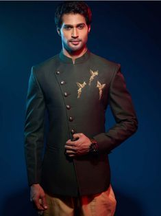 Stylish Anarkali Pattern Sherwani is part of Dress suits for men - Buy Online Navy Blue, Beige color Imported Fabric Anarkali Pattern Sherwani Get the Best Price While Shopping From our Store Indian Groom Dress, Wedding Dresses Men Indian, Wedding Dress Men, Wedding Men, Wedding Suits, Nigerian Men Fashion, Indian Men Fashion, Mens Fashion Wear, Mens Indian Wear