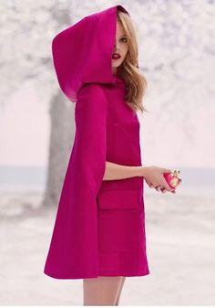 Pink Cape - La Tentation de Nina Nina Ricci perfume - a new fragrance for women Pink Fashion, Love Fashion, Winter Fashion, Womens Fashion, Fashion Trends, Frida Gustavsson, Look Rose, Fuchsia, Everything Pink