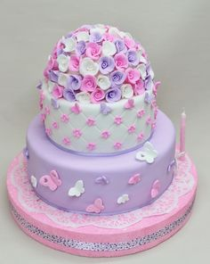 Pink and Purple Baby Shower Cake- so precious and girly with all those dainty butterflies! Gorgeous Cakes, Pretty Cakes, Cute Cakes, Amazing Cakes, Butterfly Birthday Party, Butterfly Baby Shower, Baby Shower Cakes, Fondant Cakes, Cupcake Cakes