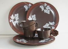 Vintage Mid-century Melamine Dishes Set of 4 Plates and Cups by Allied Chemicals Brown Orange White Leaf Design.