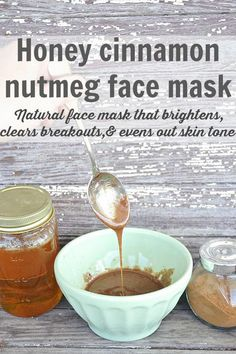 DIY honey cinnamon nutmeg face mask - A natural face mask that brightens skin, clears breakouts, & evens out skin tone. A must try for any skin issues!! #AntiAgingMask Nutmeg Face Mask, Cinnamon Face Mask, Natural Face, Natural Skin Care, Natural Beauty, Bb Beauty, Face Beauty, Beauty Care, Even Out Skin Tone
