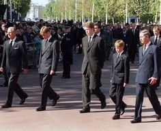 Following Diana's coffin to Westminster Abbey: Duke of Edinburgh, Prince William, 9th Earl Spencer, Prince Harry, Prince of Wales