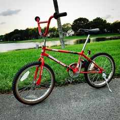 """Gefällt 33 Mal, 1 Kommentare - Links Accessories (@links_accessories) auf Instagram: """"Barn find ! 80's? Diamondback viper coaster brake size 20"""" Does anyone knows exact year?…"""" Diamondback Bmx, Viper, Coaster, Barn, Bicycle, Instagram, Accessories, Pretty Pictures, Nice Asses"""