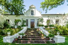 Natte Valleij - Accommodation | Wines | Weddings Colonial Style Homes, Dutch Colonial, Spanish Colonial, South African Homes, African House, Spanish Architecture, Colonial Architecture, Cape Dutch, Caribbean Homes