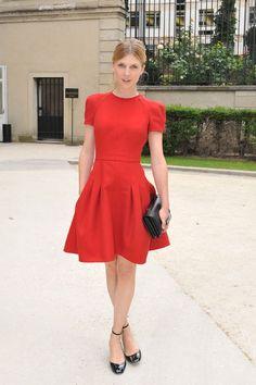 Clémence Poésy y un look fifties: cintura marcada, falda con vuelo...DONE!