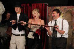 kabaret černá myš ungelt Violin, Music Instruments, Musical Instruments