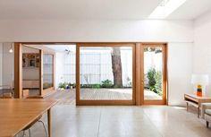 Big doors/ inside/outside living interior barn doors в 2019 Patio Interior, Interior Barn Doors, Home Interior, Interior Architecture, Interior And Exterior, Interior Design, Big Doors, Windows And Doors, Entry Doors