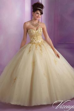 Disponibilidad tienda Laureles – color stile/gold talla 12 – color chamgold talla 6