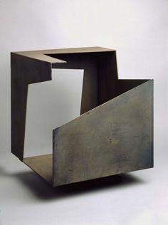 Jorge Oteiza - Caja vacía. Corten steel, 1958
