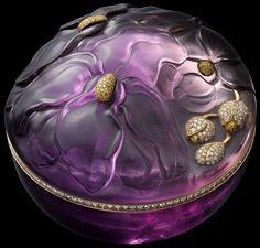 Cartier - Collection 'Caresse d'Orchidées' - Boite à Bijoux - Améthyste Sculptée, Or, Diamants Jaunes et Brillants