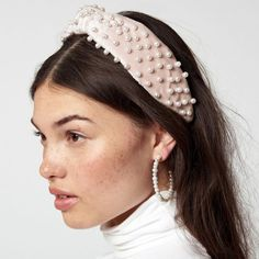 """Elfenbein Perlensamt Stirnband Elfenbein Samt über unsere 1 """"Breite … – Hairstyle, You can collect images you discovered organize them, add your own ideas to your collections and share with other people. Hair Accessories For Women, Wedding Hair Accessories, Fashion Accessories, Jeweled Headband, Pearl Headband, Wide Headband, Headband Styles, Wedding Headband, Hair Wedding"""