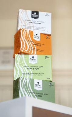 Alle hochwertigen Hygieneprodukte von Flow Kosmetik aus Finnland werden im eigenen Betrieb von Hand produziert. Bei den Produkten kommen nur hochwertige Bioprodukte und Wildkräuter aus dem Finnischen Lapland zum Einsatz. Haarseifen sind besonders schonend zur Kopfhaut, pflegen die Haare und halten sehr lange. Organic Shampoo, Body Soap, Calendula, Kraut, Tea Tree, Clay, Cosmetics, Itchy Scalp, Oily Hair