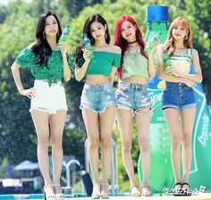 [PRESS] 180721 — blackpink at waterbomb festival seoul today! Forever Young, South Korean Girls, Korean Girl Groups, Jenny Kim, Black Pink Kpop, Blackpink Members, Blackpink Photos, Blackpink Fashion, Jennie Blackpink