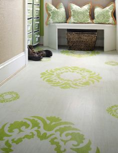 While design ideas for the painted wood floors are plenty, the hottest trends today are stenciled floors and painted floor rugs. Painting Linoleum Floors, Painted Wood Floors, Painted Rug, Linoleum Flooring, Cement Floors, Concrete Floor, Vinyl Flooring, Hardwood Floors, Hm Deco
