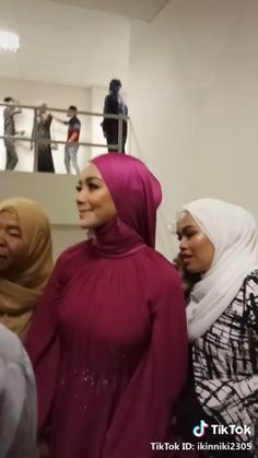 Hijab Teen, Arab Girls Hijab, Muslim Girls, Beautiful Muslim Women, Beautiful Hijab, Hijabi Girl, Girl Hijab, Hijab Fashionista, Hijab Niqab