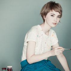「ノームコア(究極の普通)」を「その人にとってのナチュラル」と解釈し提案したスタイルです。短い前髪もハイトーンのカラーリングも彼女にフィットさせ、似合わせる事にこだわりました。カラ...