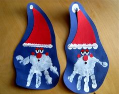 Santa hand prints ...cute but I would use TAN paper...so it looks more like Santa's face