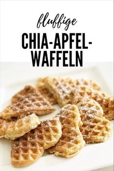 Fluffig gesunde Chia-Apfel-Waffeln