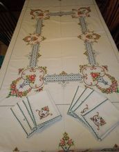 Vintage Embroidered Tablecloth and 8 Napkins