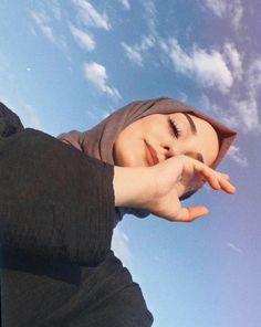 girl, حجاب, and hijab image Modest Fashion Hijab, Modern Hijab Fashion, Street Hijab Fashion, Hijab Fashion Inspiration, Hijab Fashionista, Portrait Photography Poses, Photography Poses Women, Hijabi Girl, Girl Hijab