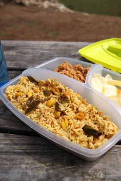 Puliyodharai / Tamarind Rice - The most famous picnic lunch from Tamil Nadu. It is basically tamarind extract boil along with aromatic spices. We can prepare the paste before hand and refrigerate.