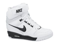 Nike Air Revolution Sky Hi Damenschuh