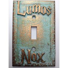 Lumos/Nox (Harry Potter) Light Switch Cover (Custom) (Aged Patina) - for my future library! Baby Harry Potter, Objet Harry Potter, Classe Harry Potter, Deco Harry Potter, Harry Potter Nursery, Theme Harry Potter, Harry Potter Houses, Harry Potter Bathroom Ideas, Harry Potter Gadget