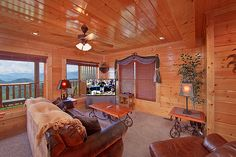 Mountain Pause Retreat - Gorgeous 8 bedroom cabin in the Smoky Mountains.