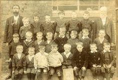 School photo School Life, School Days, Old School, Vintage School, Vintage Children, Old Photographs, School Pictures, Interesting Photos, School Classroom