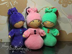 Sou absolutamente encantada por bonecas da Russia, são fáceis de fazer e muito graciosas.     Original e todos os créditos AQUI      Faça...