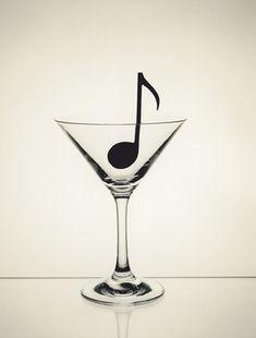 By Chema Madoz  La musica è il cuore della vita. Con essa parla l'amore che; senza di essa, non è del tutto possibile e con essa tutto è bello (Franz Liszt)