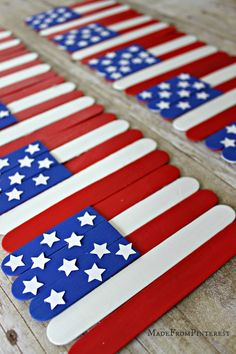 Stick Flag Craft Kids Flag Craft - made with popsicle sticks.Kids Flag Craft - made with popsicle sticks. Fun Crafts For Kids, Summer Crafts, Holiday Crafts, Crafts To Make, Activities For Kids, Arts And Crafts, Kids Diy, Blue Crafts, 4 Kids