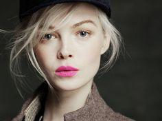 wispy hair pink lips