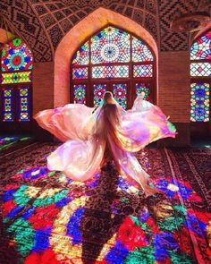 Architecture Discover Beauty of shapes and colors Nasir ol Molk Mosque Shiraz. Art Et Architecture, Persian Architecture, Mosque Architecture, Ancient Architecture, Shiraz Iran, Pink Mosque, Iran Girls, Iran Tourism, Iran Pictures