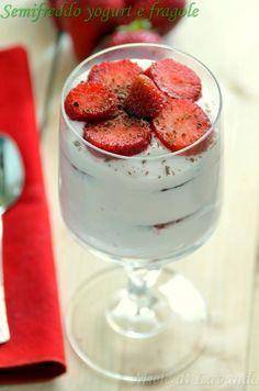 Semifreddo yogurt e fragole