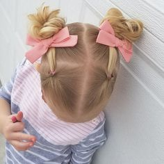 😍 Handtied Bows + Pigtails =  So Much Cuteness! This salmon/coral/pink color is spring perfection! Easy Toddler Hairstyles, Baby Girl Hairstyles, Up Hairstyles, Kids Hairstyle, Girl Hair Dos, Fabric Hair Bows, Fall Hair, Coral Pink, Pink Color